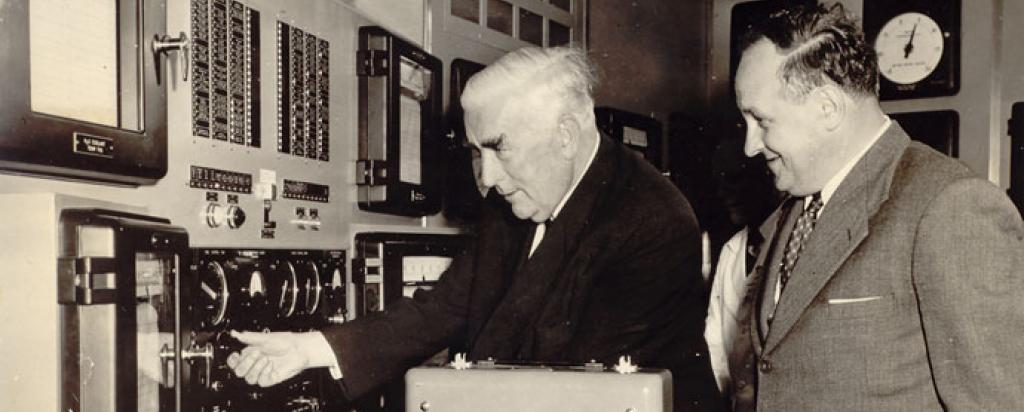 Robert Menzies switching on HIFAR in 1958